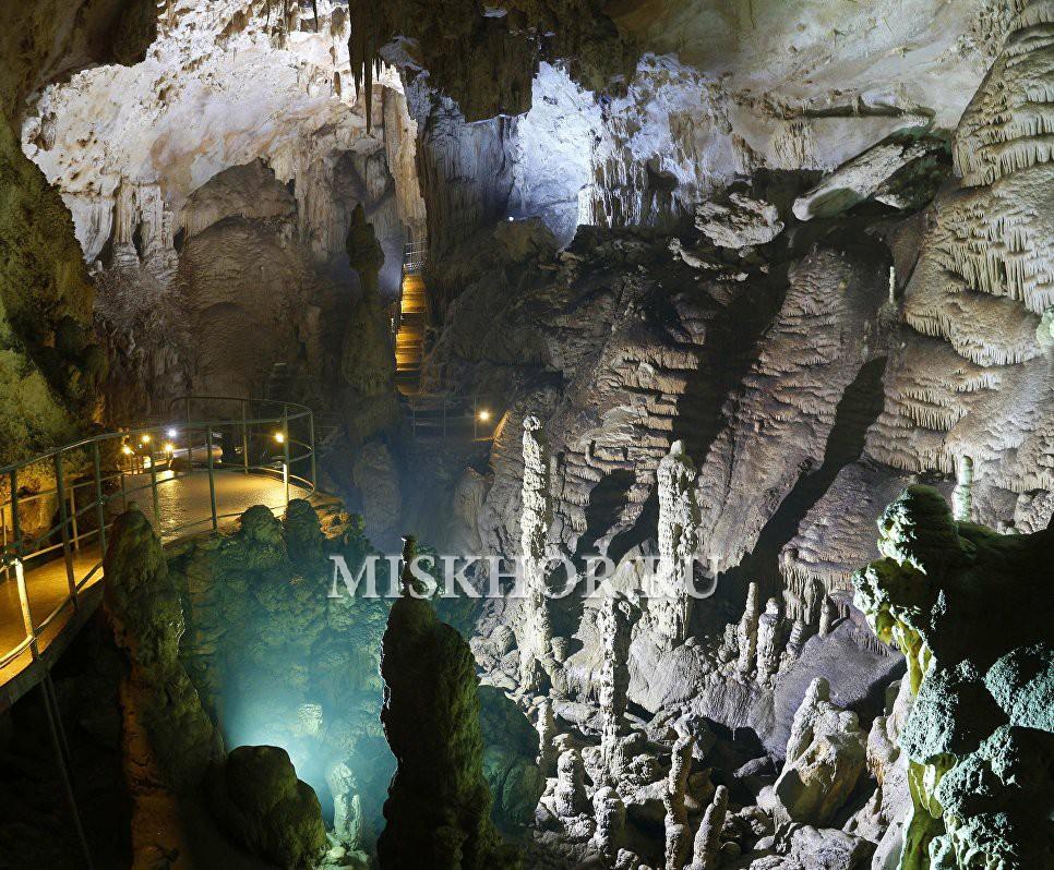 В пещере Эмине-Баир-Хосар в Крыму  снимается приключенческий сериал